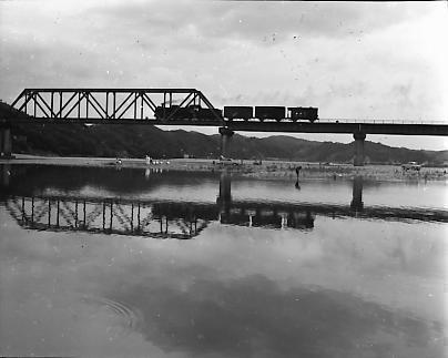 鉄道写真:川越線荒川鉄橋辺り・...